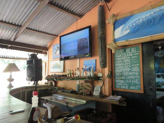 Mal Pais Surf Camp & Resort: Bar/restaurant