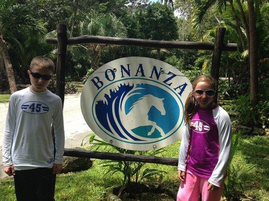 Rancho Bonanza: Arriving at the ranch.