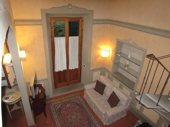 Firenze Suite: comfortable rooms with semi-private courtyard