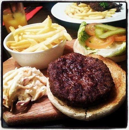 The Greyhound Hotel : Greyhound Burger