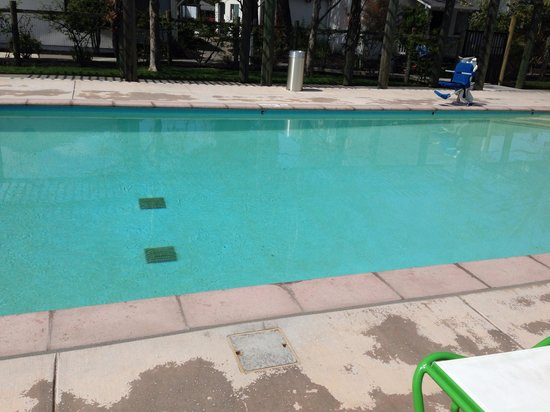 The Sunburst Calistoga : Heated swimming pool