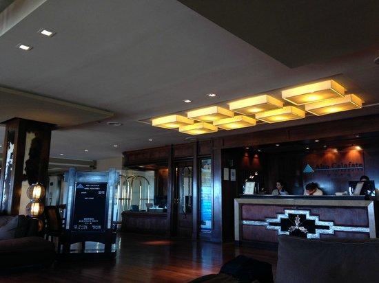 Alto Calafate Hotel Patagonico: Vista del Lobby