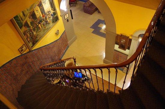 Posada Santa Fe.Escalera de Caracol