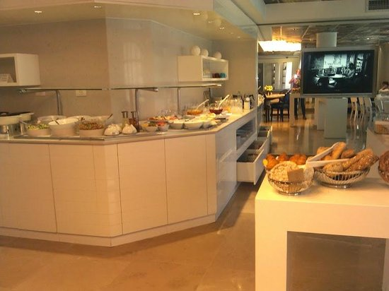 Harmony Hotel Jerusalem - an Atlas Boutique Hotel: Breakfast buffet