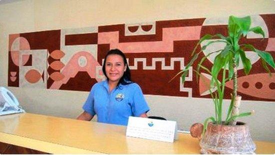 Hotel Plaza Cozumel: Es la empleada que trata mal a los clientes