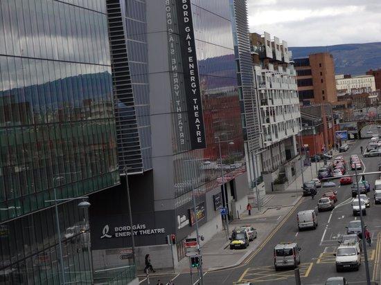 Clayton Hotel Cardiff Lane: Bord Gais Energy Theatre a stones throw away