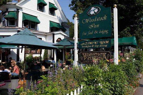 Woodstock Inn Station & Brewery : Inn Entrance