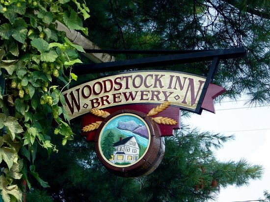 Woodstock Inn Station & Brewery : Sign