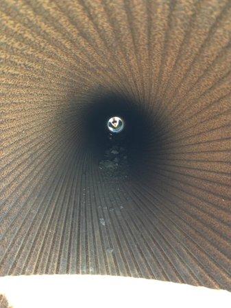 Fortaleza de Suomenlinna: Inside the cannon barrel