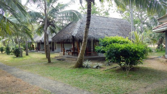 Lagoon Paradise Beach Resort: Exclusiveand neat cabannas