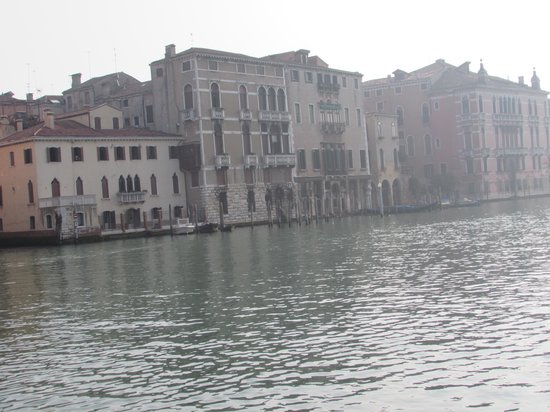 Hotel Palazzo Giovanelli: view from the front of the hotel on the Grand Canal