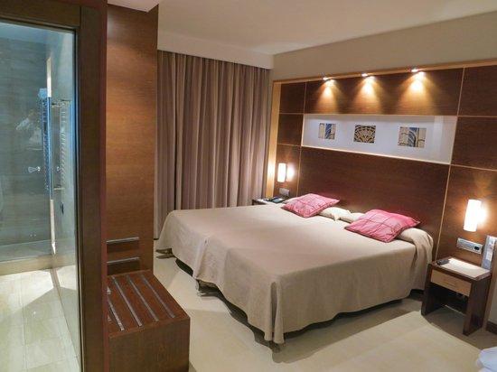 Eurostars Leon: La bella stanza doppia + letto adulto