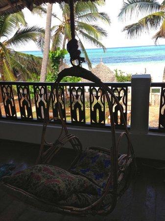 Zanzibar House: Balcony swing off our room