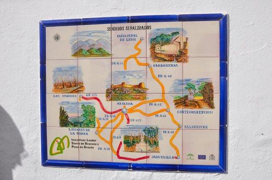 Plaza Gruta de las Maravillas: mosaico con mapa de la zona
