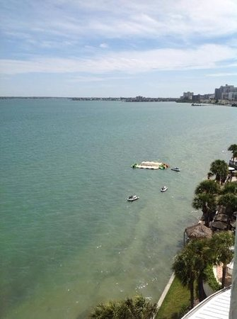 Clearwater Beach Marriott Suites on Sand Key : view of the bay from our sixth floor balcony