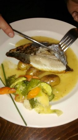 The Winning Hand : Sea bream - very delicious!