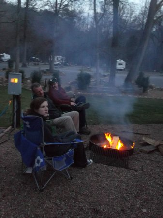 Townsend / Great Smokies KOA: Great times around the fire