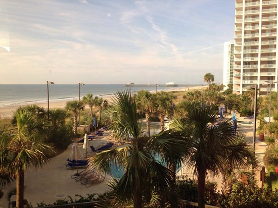 Royale Palms Condominiums by Hilton: View from breakfast in hotel restaurant