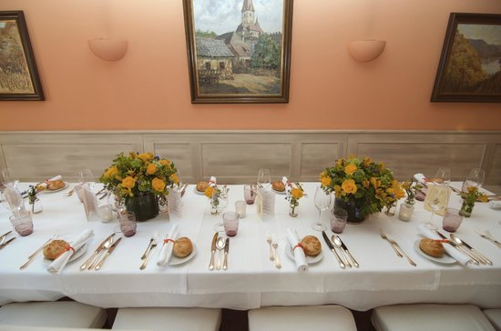 Holzapfels Prandtauerhof: wedding table
