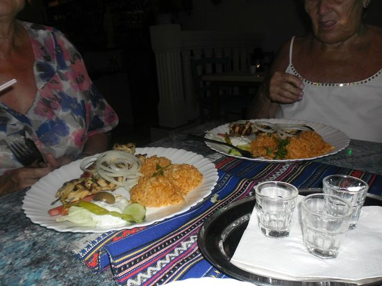Tavera Santorini: Complimentary Ouzo drink with meal