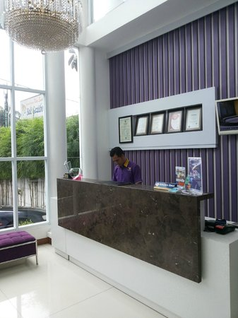 Vio Surapati Bandung (Managed by Dafam Hotels) : Reseprionis