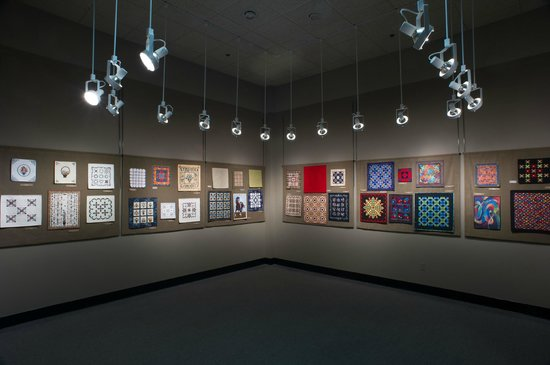 The National Quilt Museum: miniatures