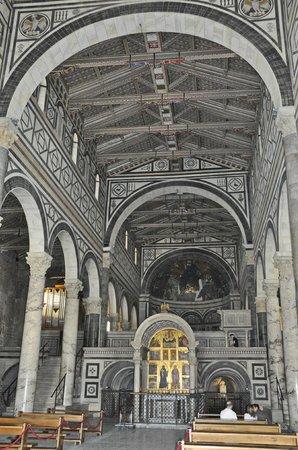 Basilica San Miniato al Monte : Florence. Basilique San Miniato al Monte