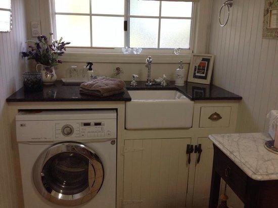 Blackwattle Farm Bed And Breakfast: Beautiful little kitchen.