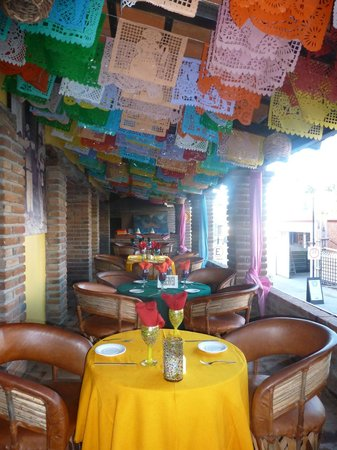 Jazmin's Restaurant: The front of Jazmin;s