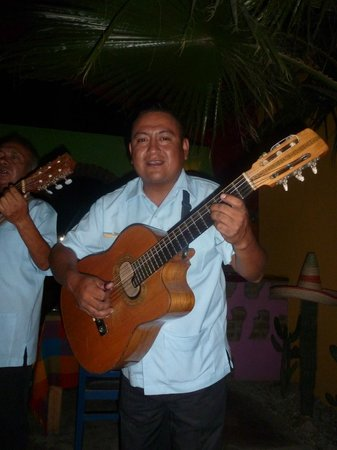 Jazmin's Restaurant: great music!
