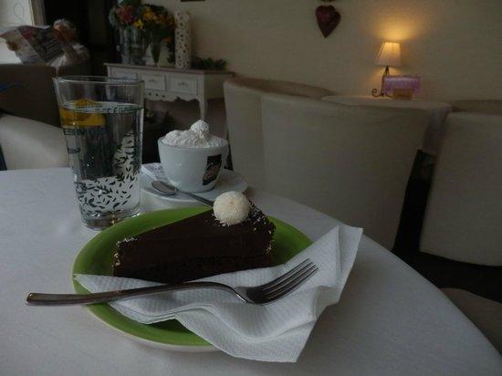 Mozart Slastice: fantastic cake