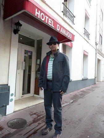 D'Anjou Hotel Paris: Frente do Hotel