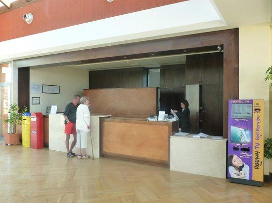 Club Caleta Dorada : reception area