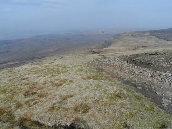 Pen-y-Ghent : 31 March 2014 : Looking west, over Ribblesdale