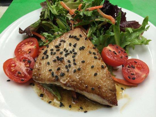 Dockside Grog & Galley: Yellow fin tuna salad with a pineapple wasabi vinaigrette