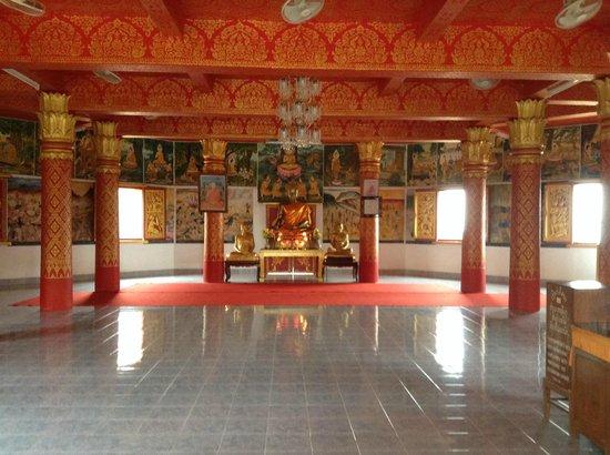 Wat Mai Suwannaphumaham: Interior do Wat Mai