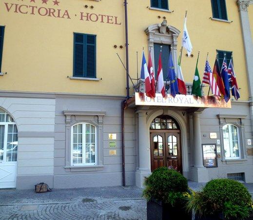 Royal Victoria: L'ingresso dell'Hotel