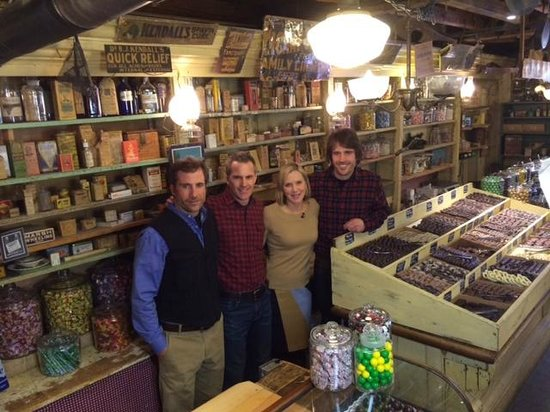 Vermont Country Store: Lee Woodruff from CBS News meets with the Orton's