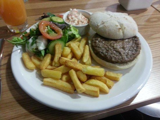 Hampton by Hilton London Gatwick Airport: Hampton Gatwick burger