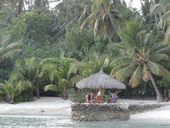 Filitheyo Island Resort: entry level