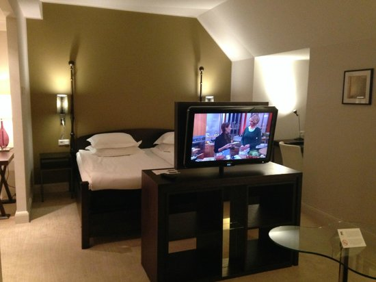 Elite Plaza Hotel Malmo : One of the junior suites