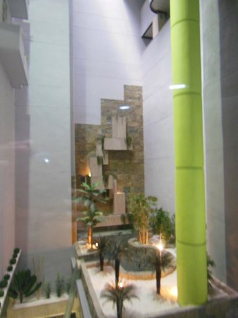 Sercotel Gran Hotel Luna de Granada: Elevator