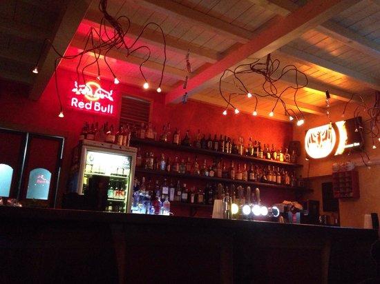 Decanter Full Proof : bancone del bar