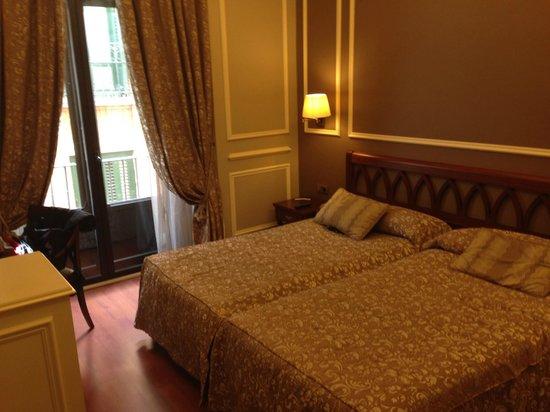 Catalonia Las Cortes : Room 207
