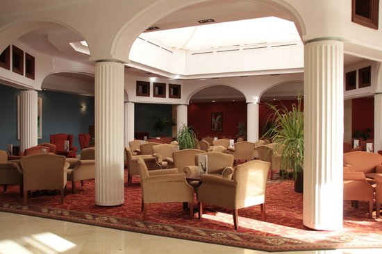 Universal Hotel Don Leon: Bar/Lobby