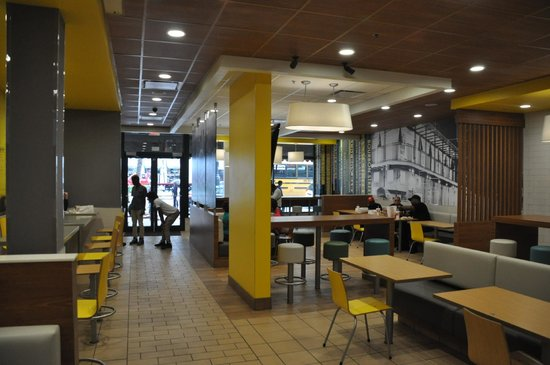 Inside Mcdonalds Picture Of Mcdonald S Canal Street