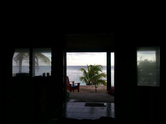 Stevenson's at Manase: View from bed to beach.