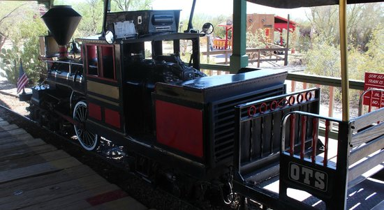 Old Tucson : the train