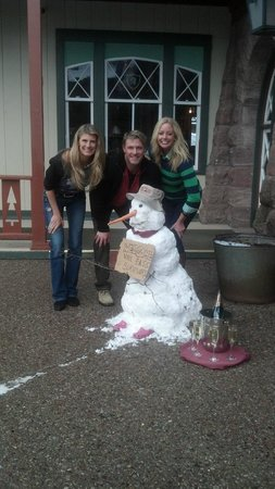 The Redstone Inn: A welcome snowman we made for arriving friends