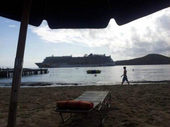 Marriott's Frenchman's Cove: Beach with giant cruise ship passing